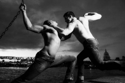London, Milennium Bridge Fight 2010 by Hans Withoos